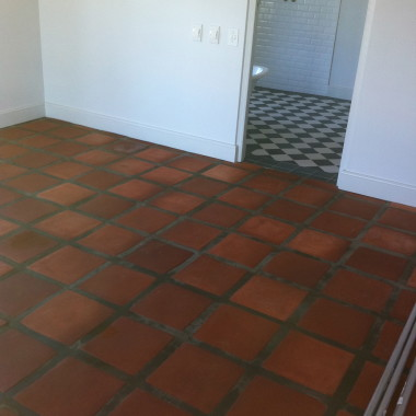 Quarry Tiles De Villiers Builders | Bouers